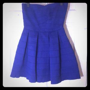 Dresses & Skirts - Blue cocktail, strapless dress